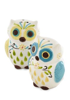 Owl the Fixins Salt and Pepper Shaker Set. Hoots the gal hosting the best dinner parties around? #multi #modcloth