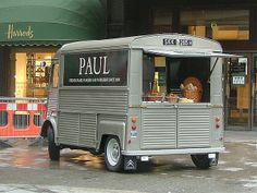 It's funny that so many of my memories of wonderful times rest in coffeeshops. Of them all, Paul's is the favorite, for both coffee and conversation: the new year, with my kid in DC, right before we hit the museums.