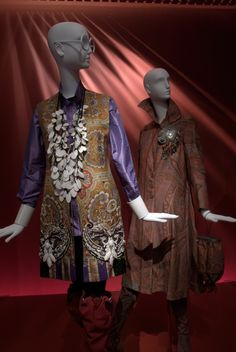A longtime accessories collector, Apfel has had her fashion adventures chronicled in a very successful traveling art gallery exhibit.  See this site to view a YouTube video interview of Apfel.