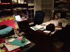 13 best messy desks images desk bureaus desks rh pinterest com