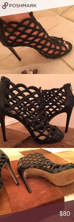 Vince Camuto heels These Vince heels are worn 3 times and I wore them very gently. No scuffs. Just about perfect condition! 4 inch heel. I love the shoes so much I just never really go anywhere besides wearing yoga clothes! Size 7.5 No trades. Vince Camuto Shoes Heels