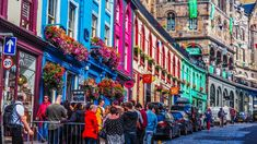 The Ultimate Self-Guided Harry Potter Tour in Edinburgh locations) Harry Potter Scotland, Edinburgh Harry Potter, Harry Potter Tour, Harry Potter Books, Visit Edinburgh, Edinburgh City, Walking Tour, Places To Go, Street View