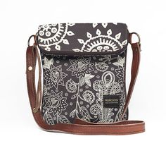 Birdy bag in Cream on Charcoal combo Mongoose, Charcoal, Cream, Bags, Products, Creme Caramel, Handbags, Taschen, Purse