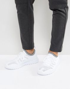 Get this Stradivarius's sneakers now! Click for more details. Worldwide shipping. Stradivarius Knitted Trainers In White - White: Trainers by Stradivarius, Knit mesh upper, Lace-up fastening, Contrast sock-like cuff, Faux-leather trim, Chunky sole, Moulded tread, Wipe with a damp cloth, 90% Polyester, 10% Polyurethane Upper. Launched back in 1994 with its iconic treble clef logo, Spanish label Stradivarius' line of clothing, footwear and accessories moves to its own beat. Influenced by…