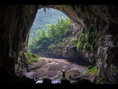 The World's Biggest Cave / Hang Sơn Đoòng - Vietnam. As of 2009 it has the largest known cave passage cross-section in the world - Documentary