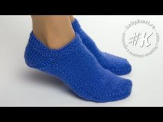 Knit Shoes, Crochet Shoes, Knit Crochet, Knitting Socks, Knitting Stitches, Baby Knitting, Crochet Simple, All Free Crochet, Knitting Designs