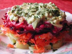 Vegetarian version of herring under the coat salad Fish Recipes, Appetizer Recipes, Salad Recipes, Appetizers, Recipies, Vegetarian Cooking, Vegetarian Recipes, Traditional Russian Food, Poland Food