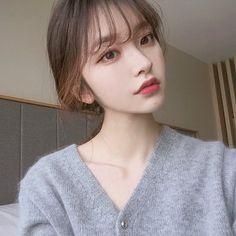 -ˏˋ 💋 ˊˎ- ➷ulzzang ღ girls➶ Pretty Korean Girls, Cute Korean Girl, Asian Girl, Pelo Ulzzang, Ulzzang Korean Girl, Korean Beauty, Asian Beauty, Korean Bangs, Cute Korean Fashion