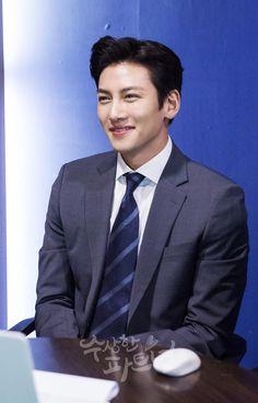 [BY SBS드라마 PD노트] 5월 10일 첫 방송을 맞이하여 V라이브로 찾아 온 <수상한 파트너> 주인공들! 달콤...