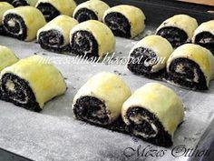 Mézes Otthon: Mákos duplatekercs, de jó is lenne! Hungarian Desserts, Hungarian Recipes, Cheesecake Pops, Poppy Cake, Winter Food, Creative Food, Dessert Table, Love Food, Baked Goods