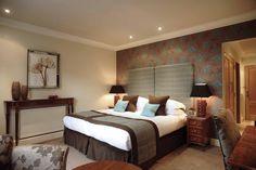 Cozy Bedroom Hotel Room Decoration