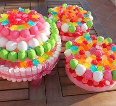 tortas con gomitas y malvaviscos