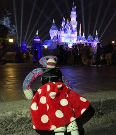 Channeled my inner #minniemouse today! #Disneyland #sockmonkey #crochet #amigurumi #bendoverbethany by bethany.la.mona