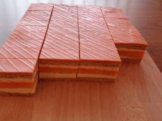 Medovo-pomarančové rezy , zákusky torty | Tortyodmamy.sk High Sugar, Cupcake Cakes, Food And Drink, Butcher Block Cutting Board, Minis, Deserts, Anna, Cooking, Hampers