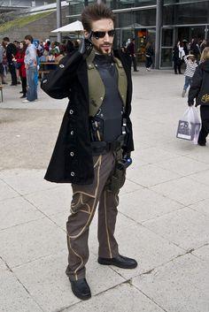 Adam Jensen (Deus Ex) cosplay.