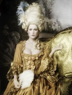 Marie - photo by Signe Vilstrup (macaroon tower marie antoinette) Mode Rococo, Mode Baroque, Rococo Style, Marie Antoinette, Rococo Fashion, Vintage Fashion, Belle Epoque, Bal A Versailles, Louise Ebel