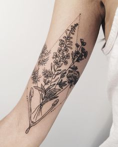 Flora of Alaska, and wishbone: fireweed, tundra rose, Queen Anne's lace, and love in a mist! Thanks Sophie!