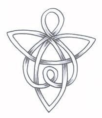 Celtic Angel Tattoo Ideas Designs With Meanings Hello! Here we have nice picture about angel symbol tattoo designs. We hope these pho. Four Leaf Clover Tattoo, Clover Tattoos, Shamrock Tattoos, Celtic Patterns, Celtic Designs, Welsh Tattoo, Tattoo Familie, Engel Tattoos, Guardian Angel Tattoo