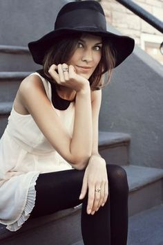 Alexa Chung always has great style....and great hats.