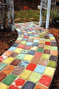 DIY Garden Pathway Ideas Source by ameliasharondelmeizar Garden Yard Ideas, Diy Garden, Lawn And Garden, Garden Pavers, Backyard Landscaping, Rock Pathway, Pathway Ideas, Walkway, Pergola Design