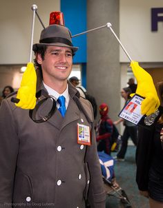 Inspector Gadget Funny Costumes, Movie Costumes, Cool Halloween Costumes, Halloween Cosplay, Diy Costumes, Inspector Gadget Costume, Best Costume Ever, Epic Cosplay, Creative Costumes