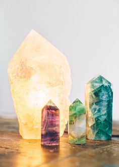 Gaze for days into this polished quartz point lamp. Crafted from 100% natural quartz crystal, this stone lamp will add that natural and spiritual touch every ro