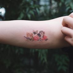 These tiny whimsical designs of your beloved pets are simple, stylish and elegant, capturing something significant and representative for you. Quite simply, they're tattoos of good taste. Tribal Tattoos, Dog Tattoos, Trendy Tattoos, Body Art Tattoos, Small Tattoos, Girl Tattoos, Tattoos For Guys, Tattoos For Women, Tatoos