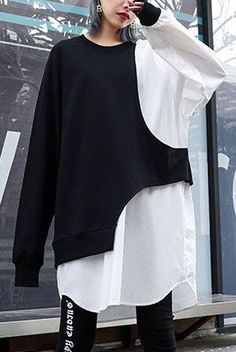 French white patchwork cotton box top asymmetric cotton fall blouse Source by marupont fall dress Fashion Details, Look Fashion, Hijab Fashion, Diy Fashion, Fashion Dresses, Fashion Design, Fashion Tips, Mode Kpop, Cotton Box