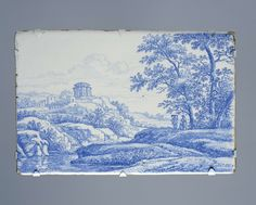 anoniem | Plaat met Italianiserend landschap, manner of Frederik van Frytom, c. 1660 - c. 1680 | Rechthoekige plaat van faïence, blauw beschilderd in het glazuur met een Italianiserend landschap. Op de voorgrond links een beek. Op de heuvels een tempel en een ruïne. Rechts drie figuren onder een groep bomen.