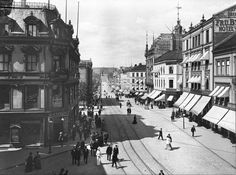 Karl Johans gate is known as Norway's number one boulevard. Its name came from the Swedish-Norwegian king Karl III Johan in 1852. Here, the street can be seen from Egertorget to the Castle, a stret...