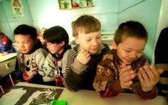 Opetusmateriaalit kertovat elämästä meillä ja muualla. Kuva on Venäjältä.