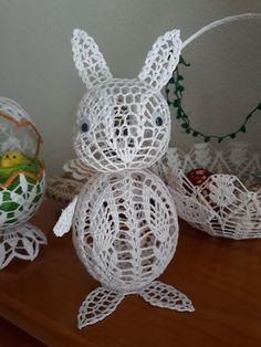Thread Crochet, Crochet Doilies, Crochet Doll Pattern, Easter Baskets, Quilling, Baby Animals, Crochet Earrings, Applique, Christmas Ornaments