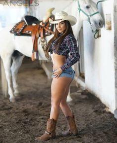 Ramblings of a Semi-Mad Man: Mimy Regia - Sexy Cowgirl Sexy Cowgirl, Cowboy Girl, Cowgirl Style, Cowgirl Boots, Hot Country Girls, Country Women, Redneck Girl, Crop Top Bikini, Daisy Dukes