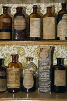 Antique apothecary bottles - Google zoeken                                                                                                                                                                                 More