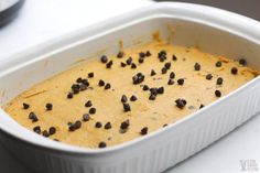 Easy to make low-carb and gluten-freepumpkin bars with chocolate chips that have no sugar added. They're so good even the kids love them. Chocolate Chip Bars, Pumpkin Chocolate Chips, Chocolate Chip Recipes, Keto Recipes, Dessert Recipes, Desserts, Gluten Free Pumpkin Bars, Healthy Baking, Sweet Treats