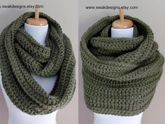 Oversized Wool Eternity Scarf Unisex Hooded Snood door SWAKCouture