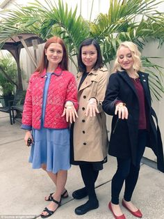 Bonnie Wright (Ginny Weasley) Katie Leung (Cho Chang) and Evanna Lynch (Luna Lovegood) Harry Potter Tumblr, Estilo Harry Potter, Art Harry Potter, Mundo Harry Potter, Harry Potter Pictures, Harry Potter Universal, Harry Potter Fandom, Harry Potter Characters, Bonnie Wright