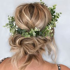 Boho Bride Vibes 🌿 …- Frisuren- You are in the right place about bride hair boho natural Here we offer you the most beautiful pictures about the bride hair boho veil you are looking for. When you examine the Boho Bride Vibes 🌿 … Wedding Hair And Makeup, Wedding Updo, Hair For Bride, Rustic Wedding Hairstyles, Curly Wedding Hair, Wedding Poses, Wedding Ceremony, Wedding Ideas, Perfect Wedding Dress