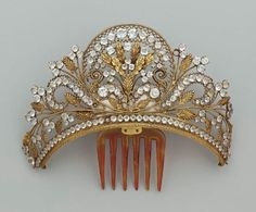 Antique Tiara-Comb (paste gemstones, gilt, tortoiseshell). © Museum of Fine Arts Boston.