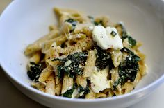 baked spinach and ricotta pasta - with lemon and mozzarella - no roux, so it's still very light