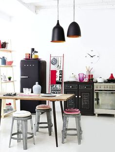 How cool is this kitchen! SMEG Fridge | Retro Decor | Kitchen Appliance | Interior Design