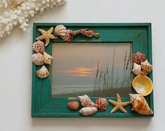 Seashell Art and Photography from the Sunshine State! by TheSleepySeahorse - Etsy :: Your place to buy and sell handicrafts Best Picture For decorations interieure For Your T - Seashell Picture Frames, Seashell Frame, Beach Frame, Seashell Art, Seashell Crafts, Crafts With Seashells, Ocean Crafts, Beach Crafts, Cadre Photo Diy