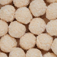 If you are a fan of key lime pie, you'll love these bliss balls and they are ridiculously easy to make. Ingredients: 1/2 cup shredded coconut 1/2 cup almond meal (ground almonds) 5 medjool dates, pitted 1-2 tablespoons lime juice and zest from 1 lime 1 teaspoon vanilla bean paste 1/2 cup desiccated coconut (for rolling) Method: Blend all ingredients together in a food processor with enough lime juice and vanilla bean paste to form a ball when it is processing. Take small pieces...