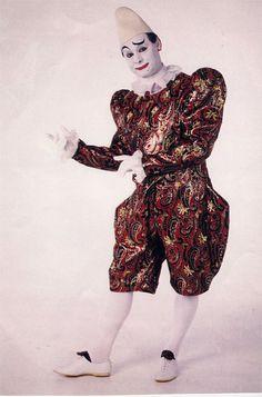Classic European white-face the aristocrat of clowns.  sc 1 st  Pinterest & 39 best Clown costumes images on Pinterest   Clown costumes Clowns ...