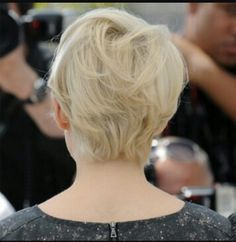Michelle Williams pixie bob found on google