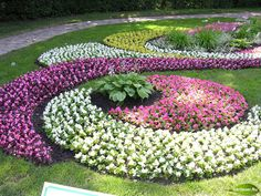33 Beautiful Flower Beds Adding Bright Centerpieces To Yard Landscaping And Garden  Design Part 25