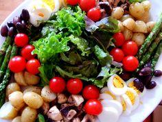 Does this salad look good? #Salad #Healthy #Food #Health