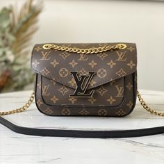 LV Monogram Canvas Passy Handbag M45592 Lv Pochette Metis, Cheap Handbags, Replica Handbags, Celine Bag, Prada Bag, Monogram Canvas, Louis Vuitton Monogram, Purses, Bvlgari