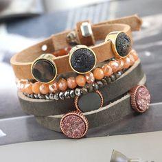 Dieses prachtvolle Schmuckset von Cuoio Armbändern und Sisa Facett Armbändern sind absolut top!
