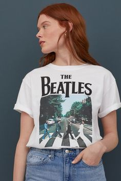 Classic T-shirt in soft cotton jersey with a printed design. Dropped shoulders and ribbed neckline. Beatles Abbey Road, Beatles Shirt, Rock Poster, Bruce Springsteen, Mode Style, Fashion Company, Bob Dylan, Fall Outfits, Outfit